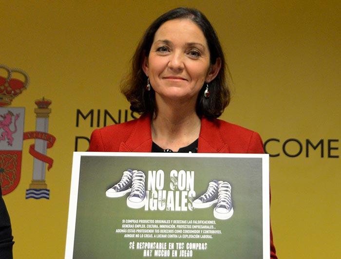 reyes maroto, ministra de industria, comercio y turismo - Falsificación
